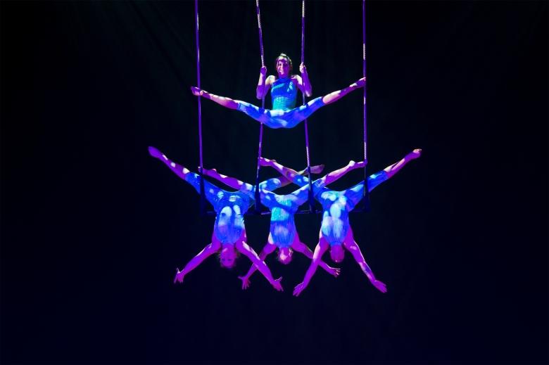 Grupo Acrobático Zurcaroh apresenta espetáculo inédito em Curitiba